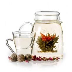 Cvetoči čaj čarobne lilije